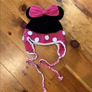 Minnie Mouse knit hat for little girl